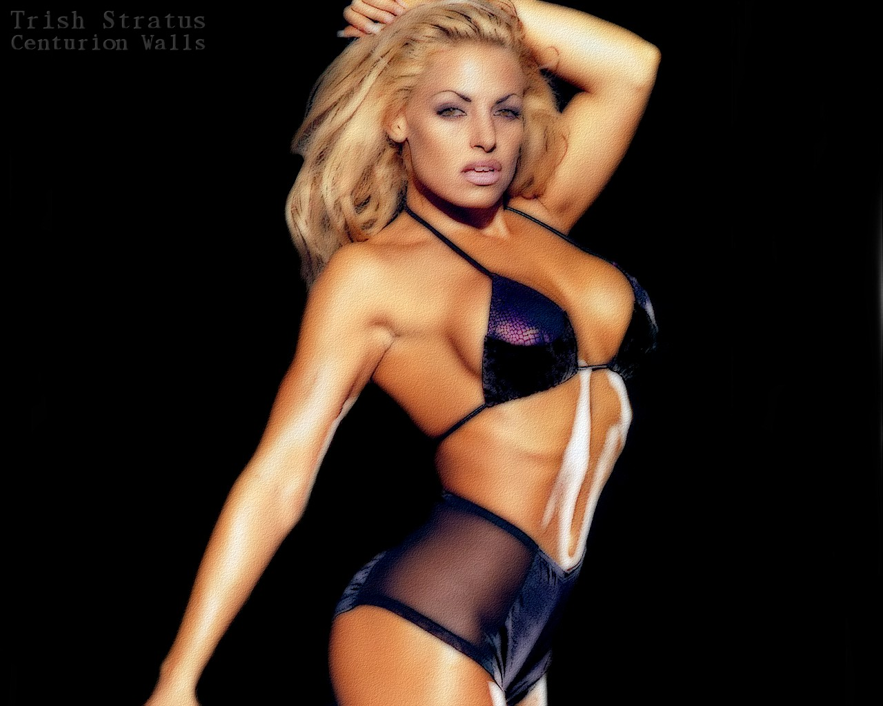 pictures of wwe diva beth phoenix naked